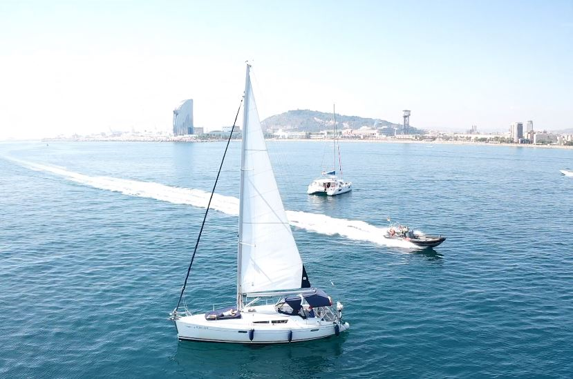 ⛵COMPARATIVE of type of boat rentals in Barcelona 2020 – Sailboats, catamarans, yachts and speed boats – What kind of boat should I rent in Barcelona?