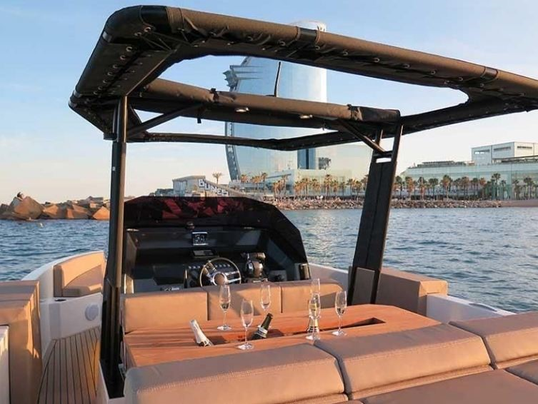 Luxury speed boat hire Barcelona