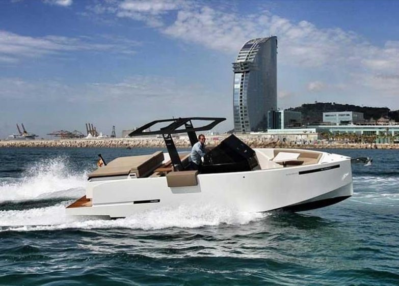 Speed boat rental with skipper Barcelona