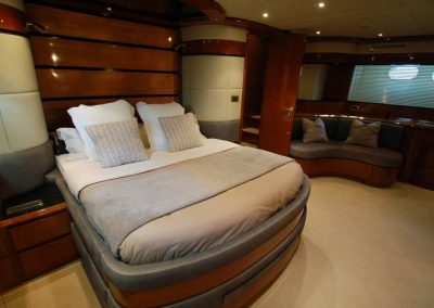 cabin luxury yacht