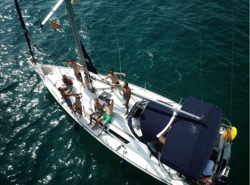 Alquilar velero en barcelona