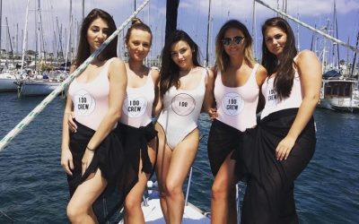 🎉🐬Hen party boat trips in Barcelona