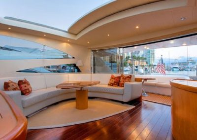 interior pershing 76