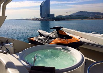 jacuzzi luxury yacht