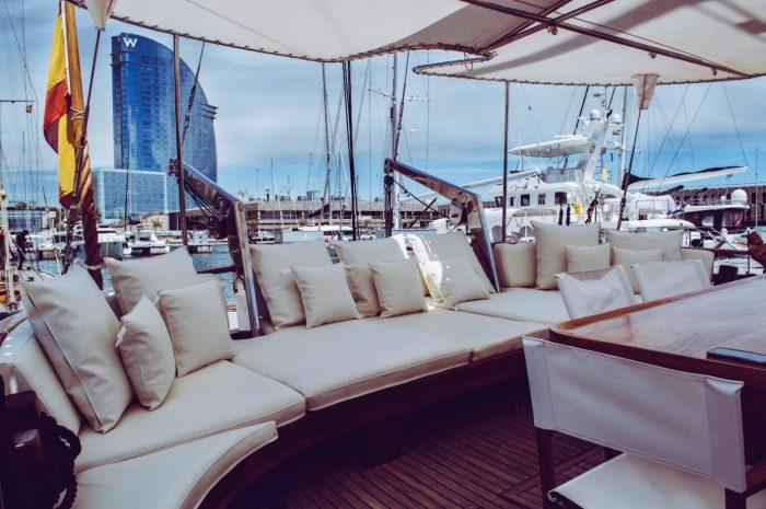 chilling out sofa big sailboat barcelona